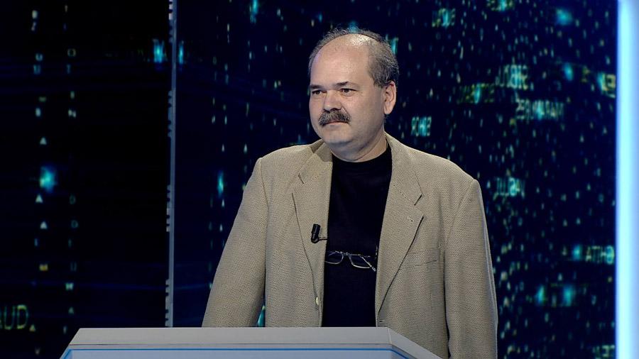 """Domnul Tudor-Cristian Gongu la emisiunea """"Câștigă România"""", TVR 2"""